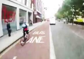 危ない!!ロンドンの街を疾走する自転車のヒヤっとする瞬間