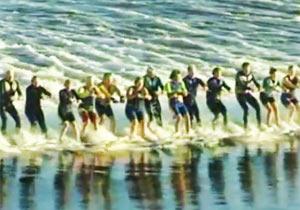 145人が水上スキー