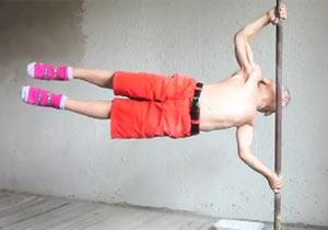 筋肉ムキムキの子供