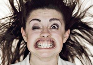 風に吹かれた人間の顔