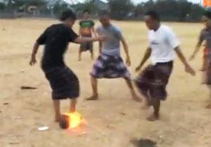 火の玉サッカーのインドネシア学生