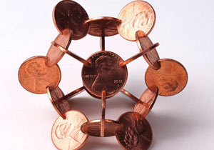 コインを組み立てた幾何学アート