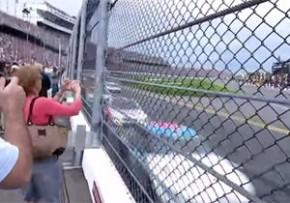 速すぎるカーレース