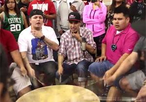 アメリカ先住民の祭りパウワウの太鼓