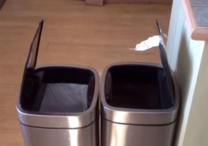 ゴミ箱の動きに笑いが止まらない