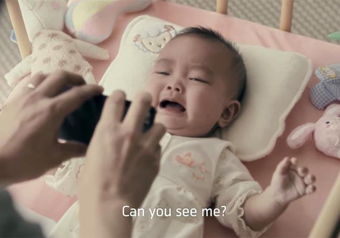 お父さんが赤ちゃんを泣きやますためにやったこと