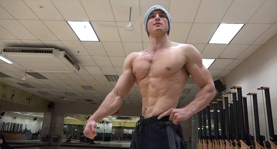ビーガンなのに筋肉ムキムキ