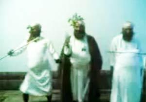 アラブのおじさんたちの変なダンス