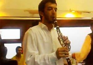 トルコの音楽家による即興スーパーマリオ