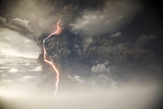 アイスランド・グリムズボトン火山噴火