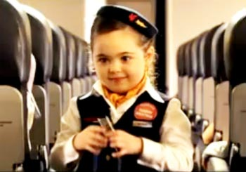 子供だけの機内放映ビデオ