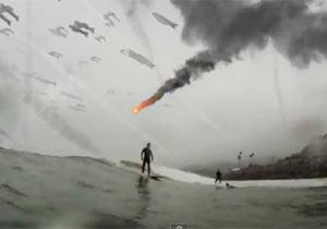 世界終末の中サーフィン
