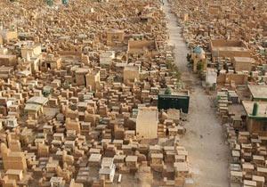「平和の谷」と呼ばれる世界最大規模のイスラム墓地
