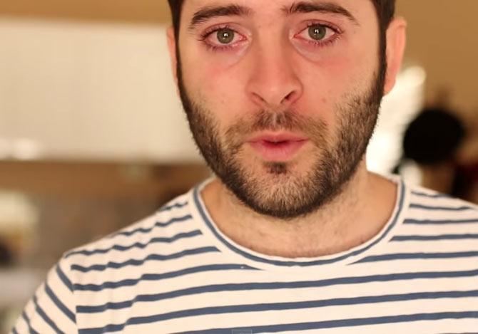 ALSについて語る男性