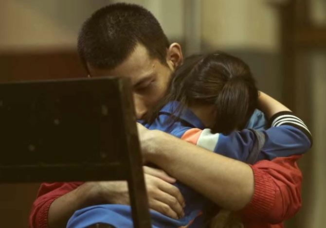 悲しむ妹を慰めるため兄がとった行動