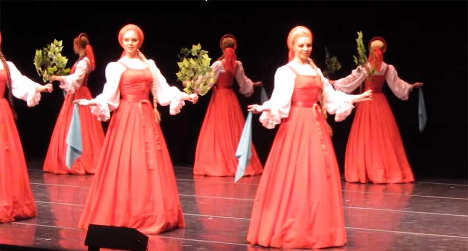 ロシアのベリョースカ舞踊団